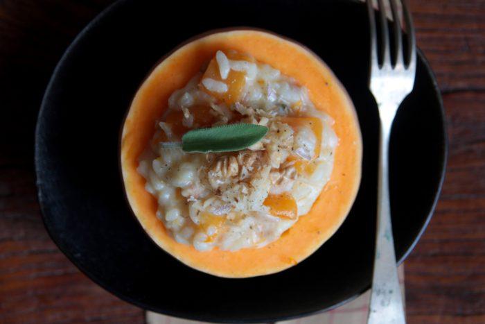 Risotto di zucca con formaggio di capra e noci