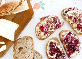 Bruschette con radicchio e formaggio